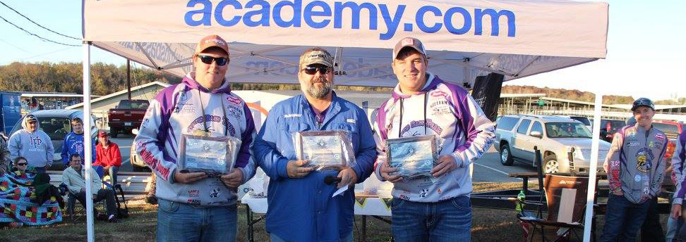 Grundy County's Kyle Ingleburger and Kyle Palmer centered by David Lowrie, TN B.A.S.S. Nation Director (TN B.A.S.S.)